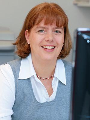 Claudia Bürvenich | Steuerfachangestellte